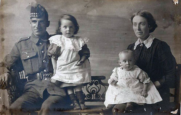 Ernest Gregory and family in 1917