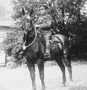 Hector McLarty on a horse in WW1